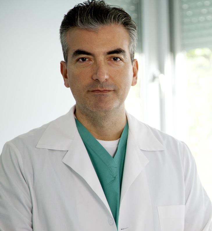Έλληνας γιατρός διορθώνει χωρίς λέιζερ: μυωπία, υπερμετρωπία και αστιγματισμό. Dr